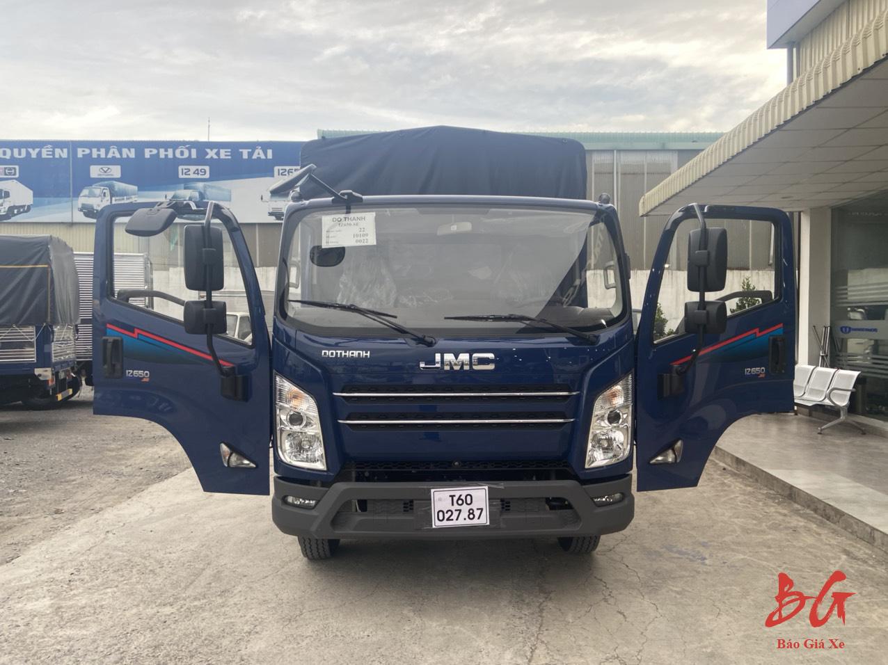 Xe tải IZ650 màu xanh