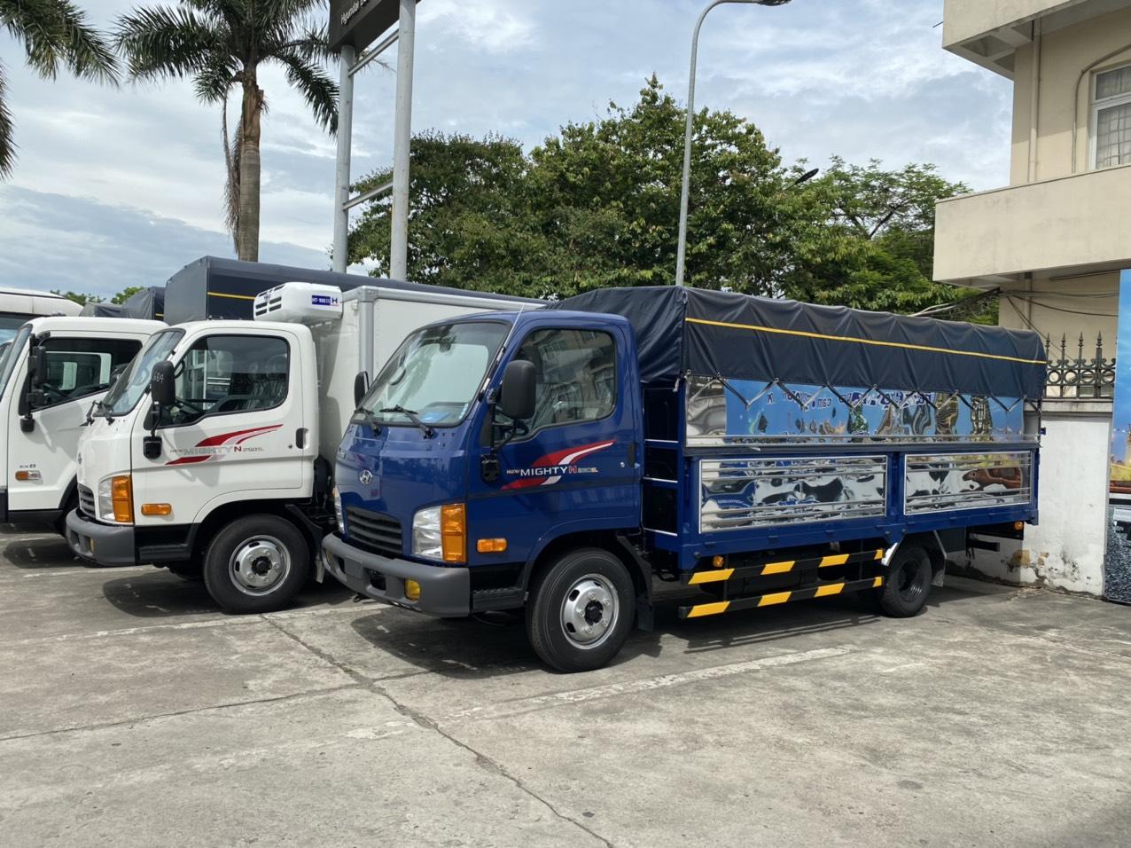 Xe tải Hyundai N250 SL thùng bạt xanh