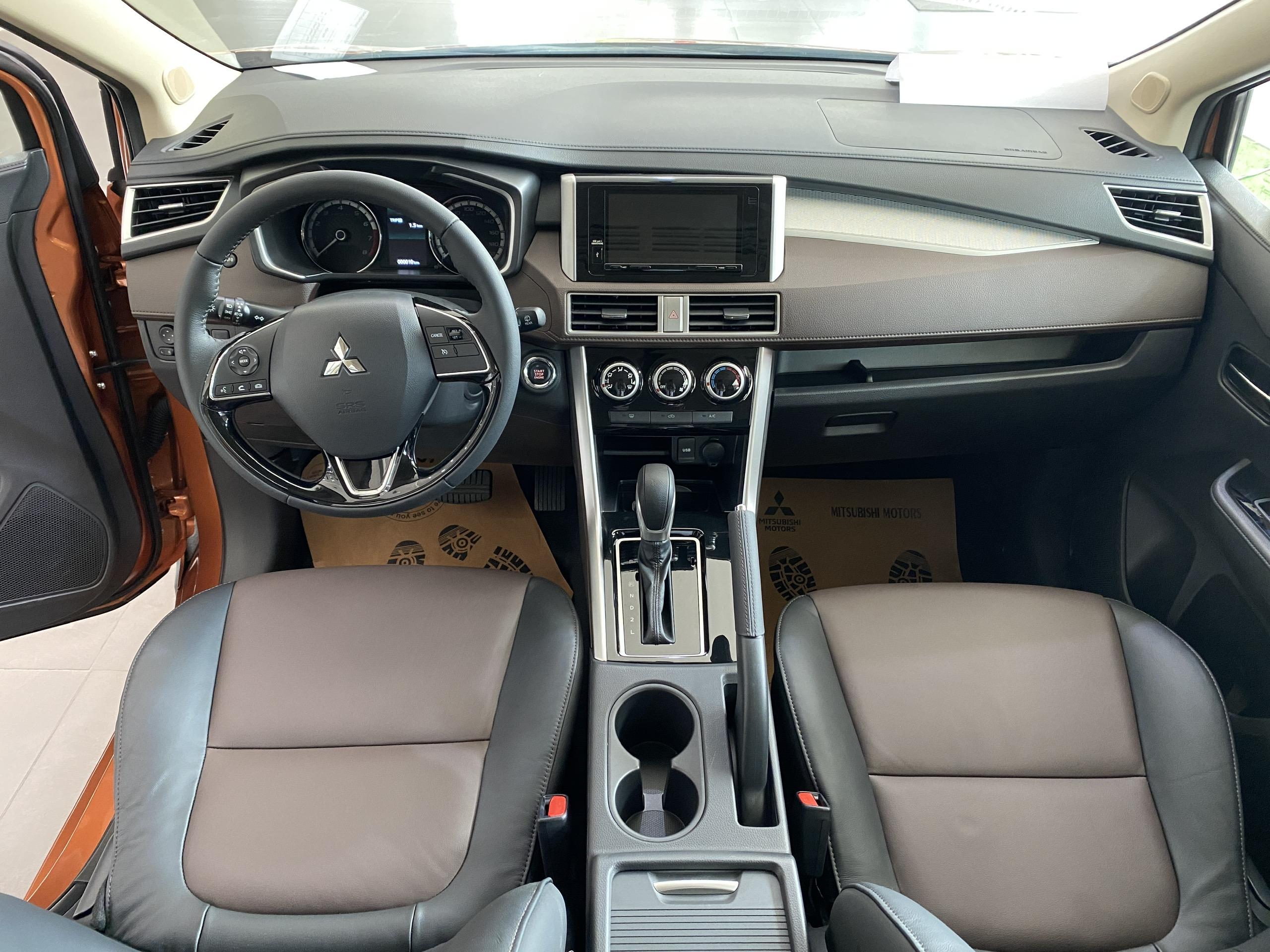 Nội thất Mitsubishi Xpander Cross 2022