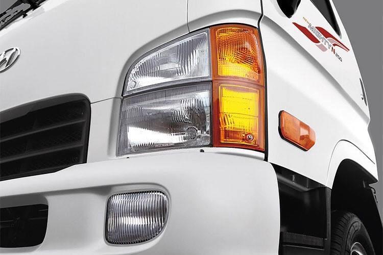 Cụm đèn pha, xi nhan trên xe tải Hyunda N250 Thành Công