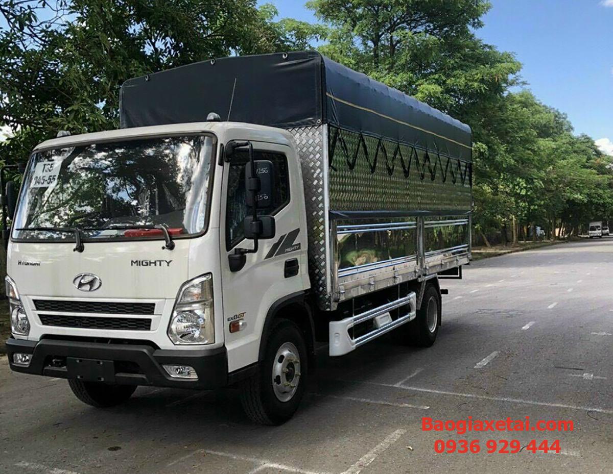 xe tải 7 tấn Hyundai EX8 thùng bạt inox