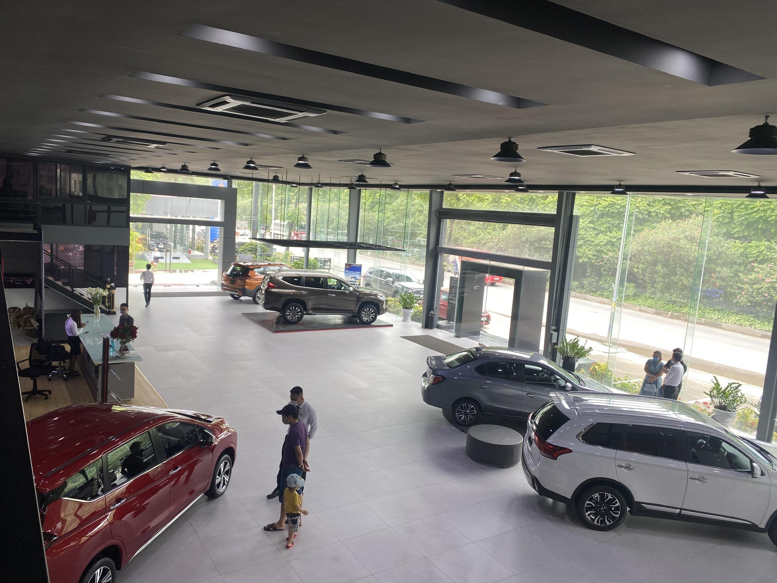 Phòng trung bày xe Mitsubishi