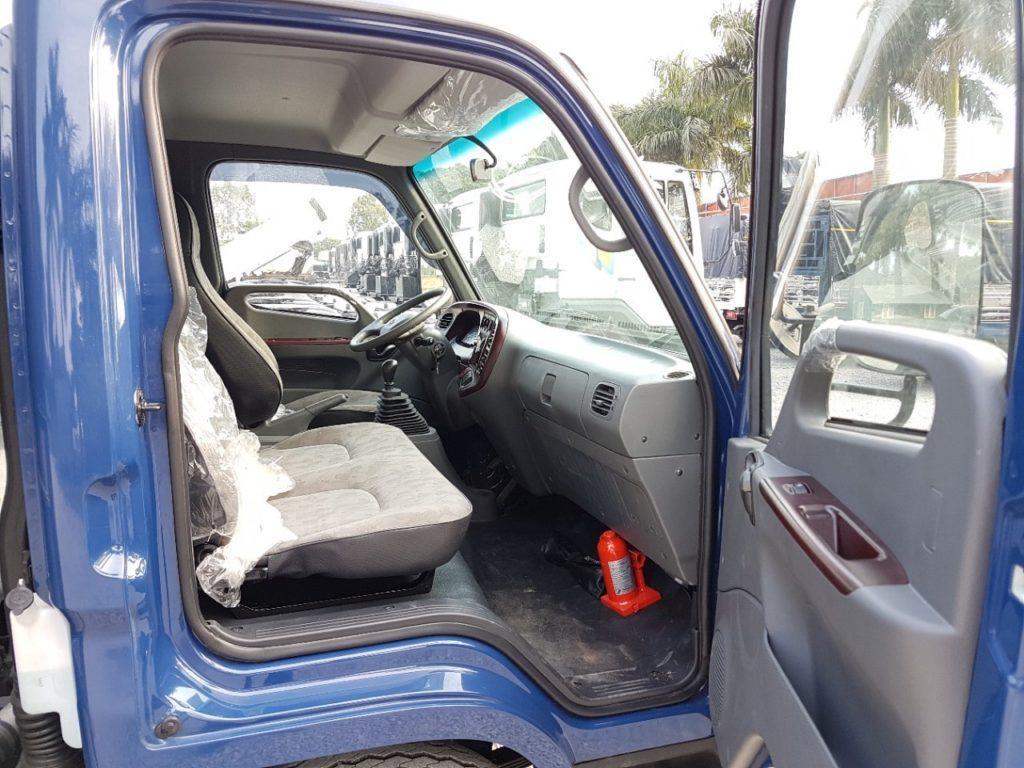 Nội thất xe tải Hyundai 120SL Đô Thành thùng bạt