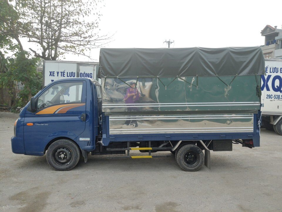 Xe tải H150 thùng bạt
