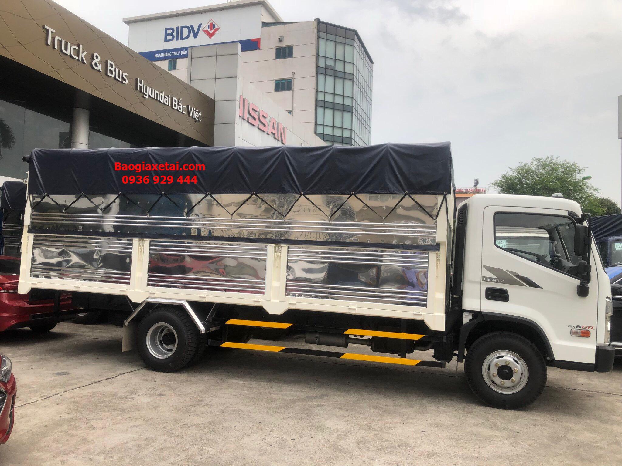 Xe tải Hyundai EX8 GTL thùng bạt