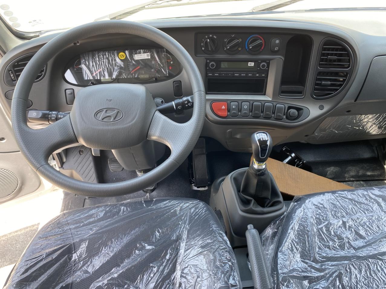 Nội thất xe tải Hyundai N250 SL